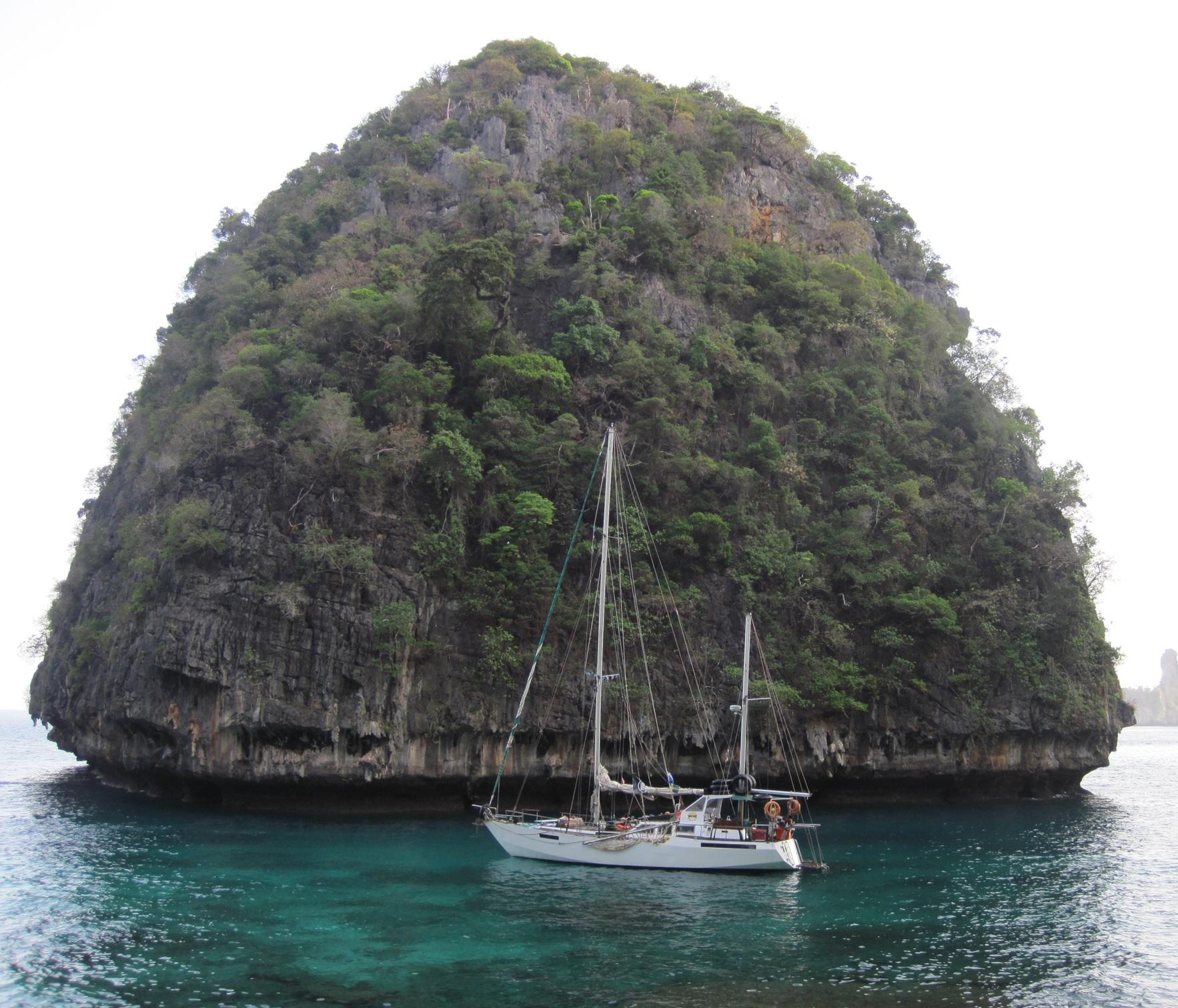 Koh Phi Phi Leh: Koh Phi Phi: Beauty Is A Burden
